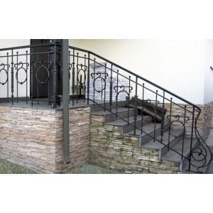 10.  Кованый балкон, Ограждение крыльца