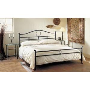Кованая  кровать в стиле лофт.