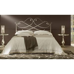 Кованая  кровать классика.