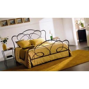 Кровать №8